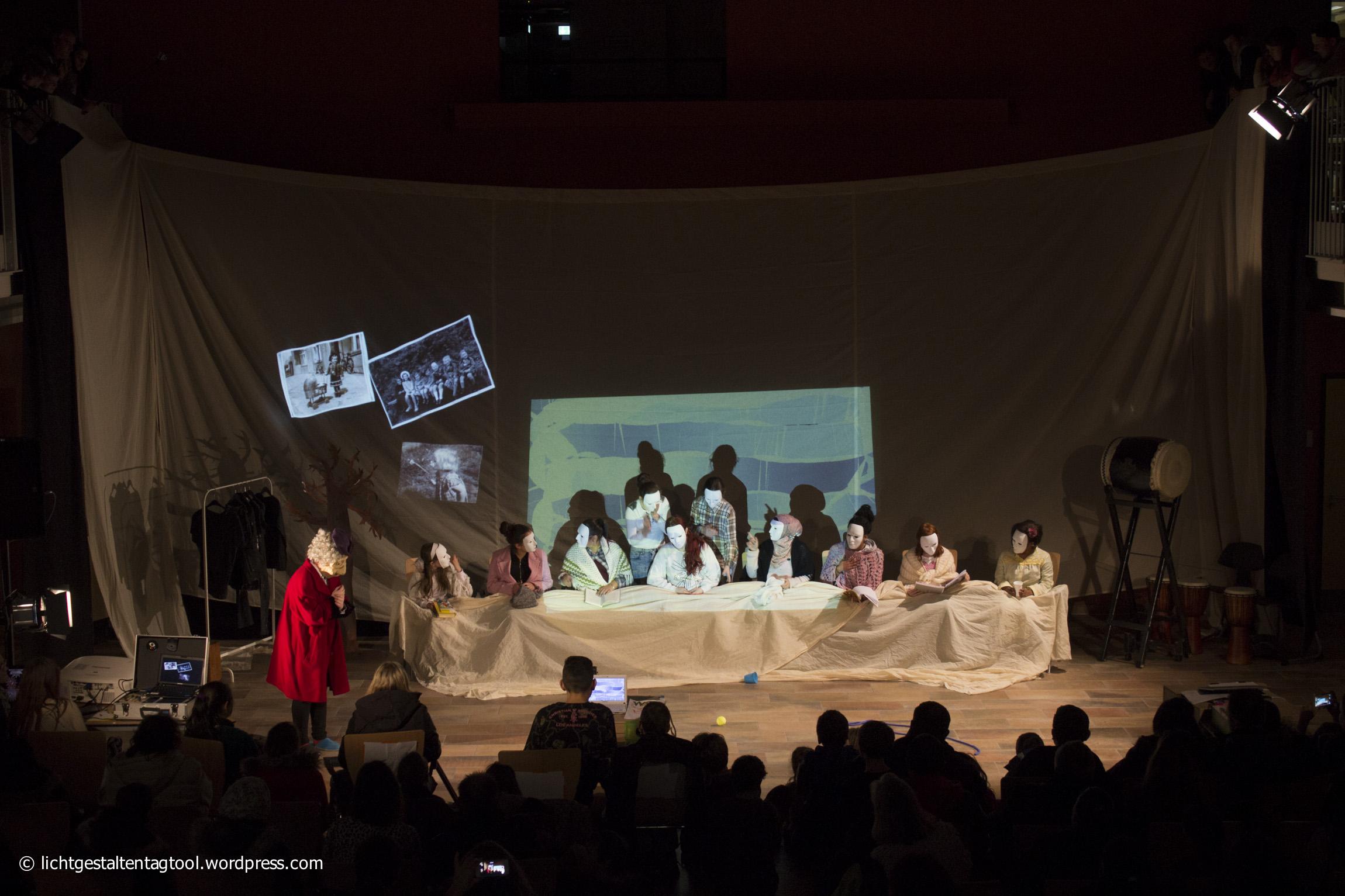 """Theaterstück """"360 Grad Leben"""" mit der Justus-von-Liebig-Schule"""